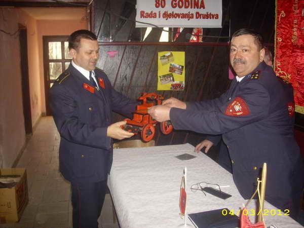 www.vatrogasni-portal.com/images/news/120306-sik-2.jpg