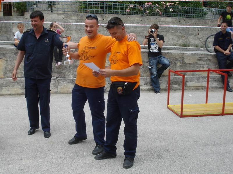 www.vatrogasni-portal.com/images/news/120526-fire-2.jpg