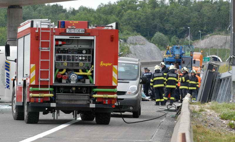 www.vatrogasni-portal.com/images/news/120623-sr-4.jpg