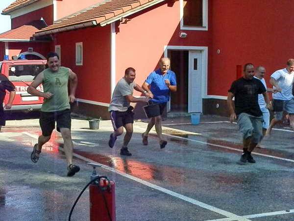 www.vatrogasni-portal.com/images/news/120709-dv-3.jpg