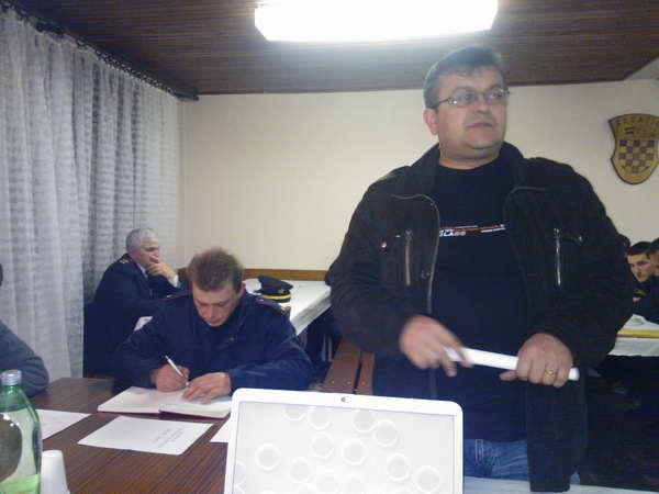 www.vatrogasni-portal.com/images/news/130206-vtc-1.jpg