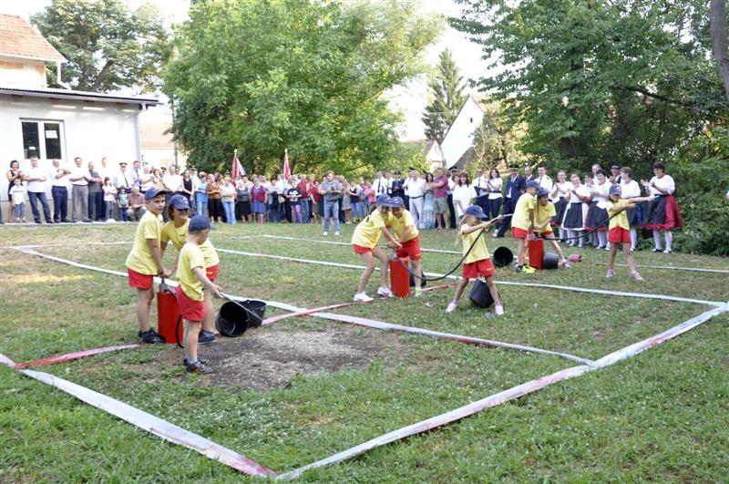 www.vatrogasni-portal.com/images/news/130811-crkvari-1.jpg