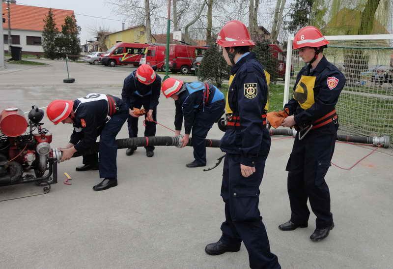 www.vatrogasni-portal.com/images/news/140318-cehovec-2.jpg