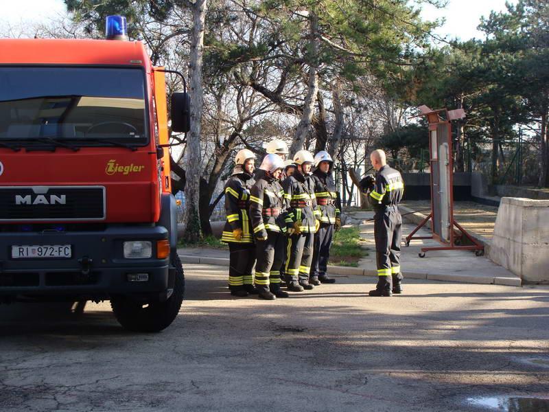 www.vatrogasni-portal.com/images/news/150309-susak-1.jpg