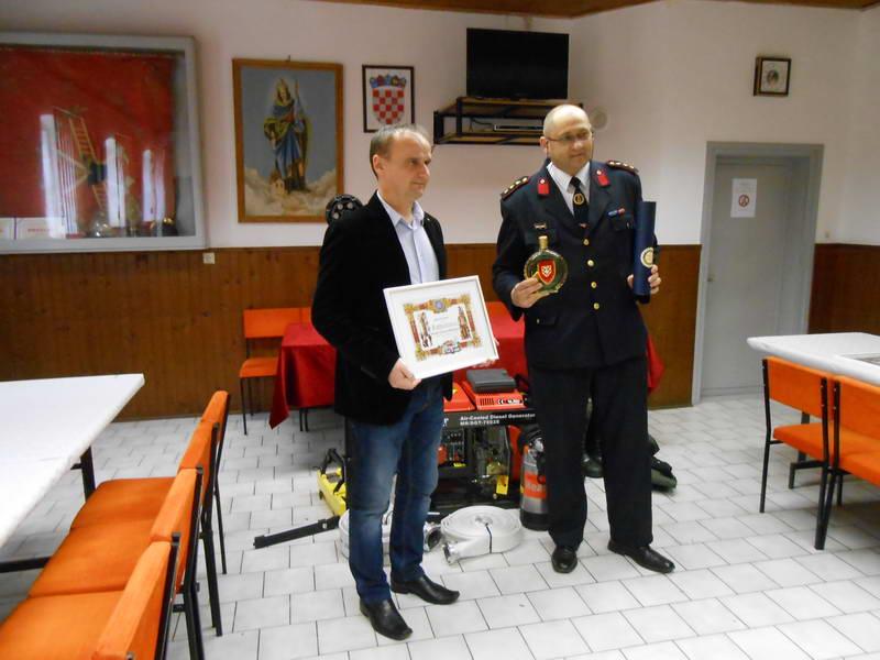 www.vatrogasni-portal.com/images/news/150316-rotari-1.jpg