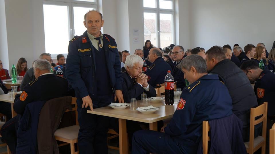 www.vatrogasni-portal.com/images/news/180225-sikirevci-5.jpg